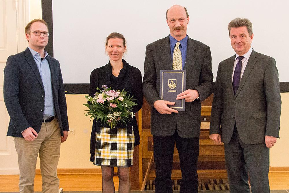 Überreichung des Umweltpreises 2017 durch den Oberbürgermeister Dr. Trümper (c) Stadt Magdeburg