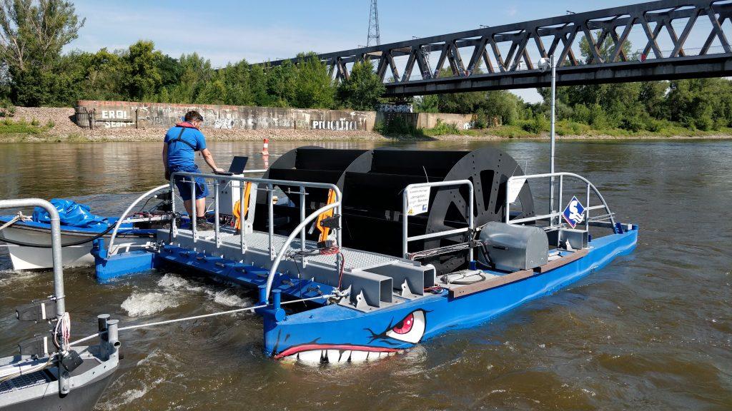 Das Flottillenkraftwerk auf der Elbe (Foto: Dr. Thomas Schallschmidt / OVGU)