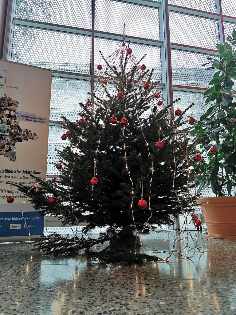 Weihnachtsbaum in der Experimentellen Fabrik